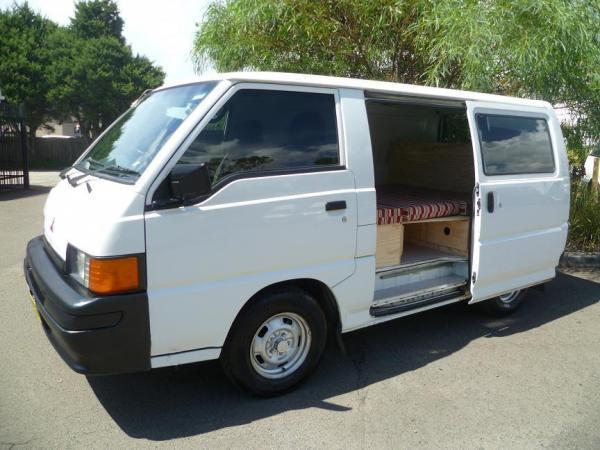 mini van a vendre d 39 occasion a sydney mitsubishi express campervan hire australia travelwheels. Black Bedroom Furniture Sets. Home Design Ideas