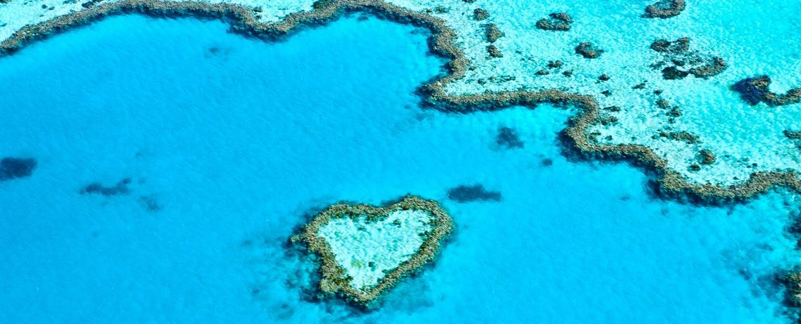 Whitsunday Islands heart shaped island from Travelwheels Location van Cairns Sydney
