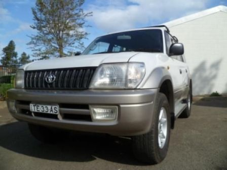 toyota land cruiser 4x4 for sale in Sydney front view of the big bumper