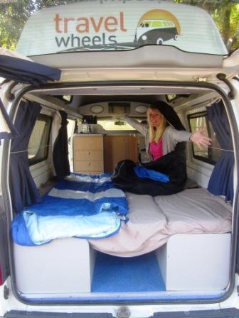 louer un van en australie appel 0412766616. Black Bedroom Furniture Sets. Home Design Ideas