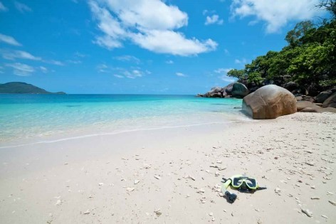 Cairns road trip planner - photo of Cairns Fitzroy Island's white sandbeaches