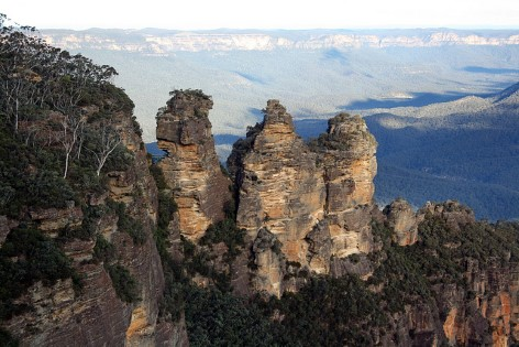 View at the Three Sisters from the Echo Point